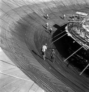 Anéis de aço da cúpula invertida na Câmara dos Deputados