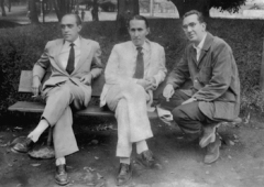 Oscar Niemeyer, Joaquim Cardozo e Paulo Werneck na Pampulha, em 1944