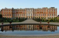 No universo anglo-saxão, a palavra Hampton é sinônimo de luxo. Não é à toa – o Hampton Court Palace, que serviu de residência para o rei Henrique VIII, conta com nada menos do que mil cômodos.