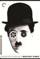 """Um dos filmes mais famosos de Charles Chaplin, Tempos Modernos é, segundo Manoel Fernandez, responsável de excelência operacional na Rhodia um filme com forte viés crítico que todo engenheiro de produção deveria assistir. Ele, que é engenheiro mecânico formado pelo Instituto Mauá de Tecnologia, mas trabalha como engenheiro de produção, explica que o filme mostra bem as ideias do engenheiro Frederick Taylor, que foram usadas depois do Henry Ford, considerado o primeiro a implantar um sistema de produção em série. """"É um clássico que ilustra bem a visão tayloriana, essa ideia de especialização do trabalho. O Ford usou essas ideias do Taylor na linha de montagem"""", diz Fernandez."""