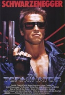 Conceitos de inteligência artificial são o destaque do clássico de ficção científica indicado pelos professores de engenharia de computação do Instituto Mauá de Tecnologia. Arnold Schwarzenegger interpreta um ciborgue – androide cujo esqueleto é recoberto por tecido vivo – que é transportado no tempo com o objetivo de mudar o curso da história e o futuro.