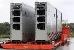 Chegada das comportas de 58 metros de comprimento, dez de largura e 30 de altura fabricadas na Itália. Fonte: Estadão