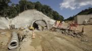 Pátio de obras da área de desemboque do túnel