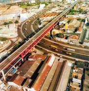 Construção da Linha Vermelha - RJ.