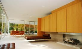 Luxury-Farnsworth-house-of-Mies-van-der-Rohe-Interior