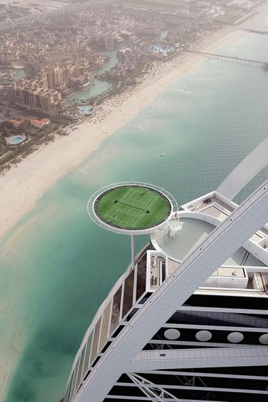 Flying_Tennis_Court