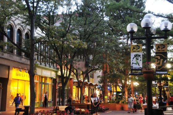 Pearl Street Mall - um dos principais pontos turisticos da cidade