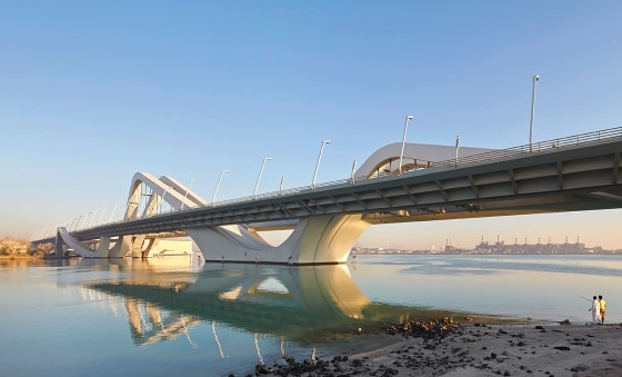ZHA_Sheikh_Zayed_Bridge_-¬Hufton_Crow_2