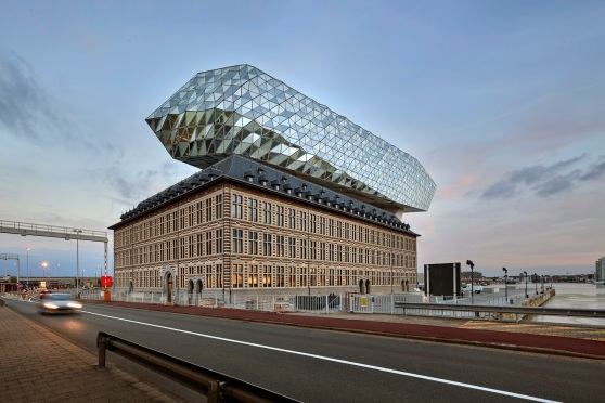 ZHA_Port_House_Antwerp_∏Hufton_Crow_005.jpg